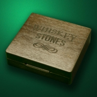 Box for six whiskey-stones